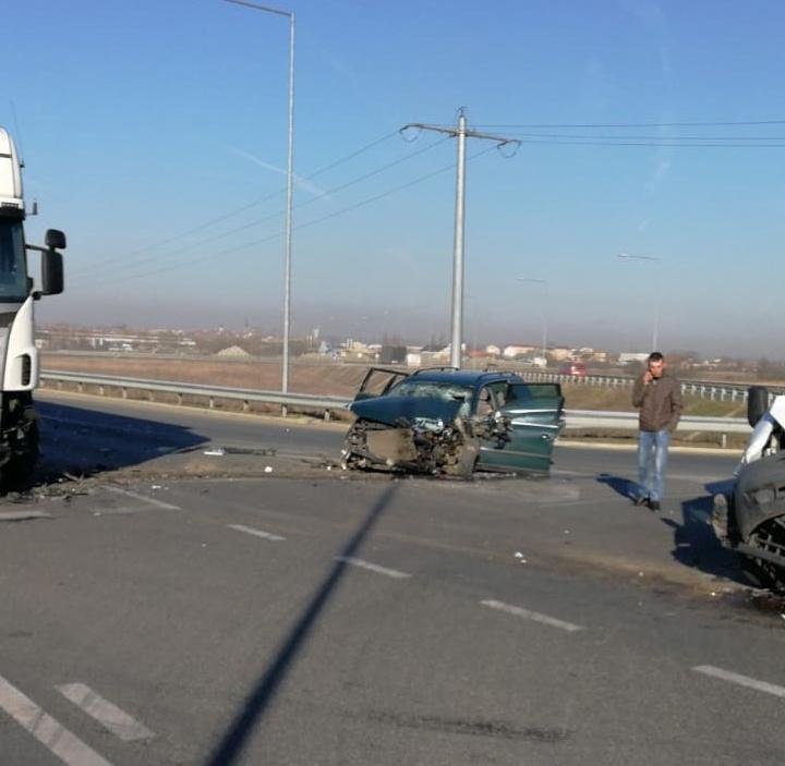 Accident rutier cu 5 victime, pe A1 ieșirea spre Agnita