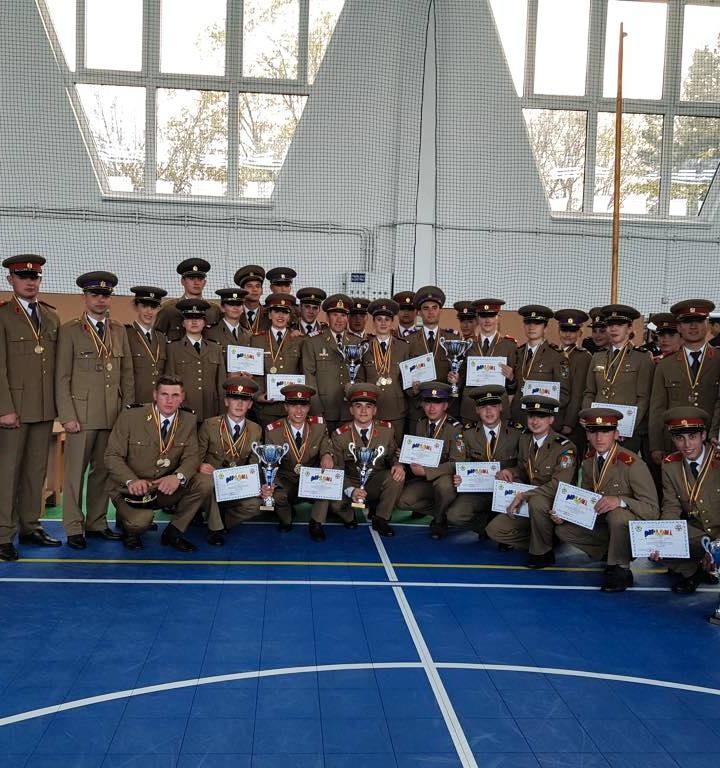 """Studenţii de la Academia Forțelor Terestre """"Nicolae Bălcescu"""" Sibiu sunt din nou campioni"""