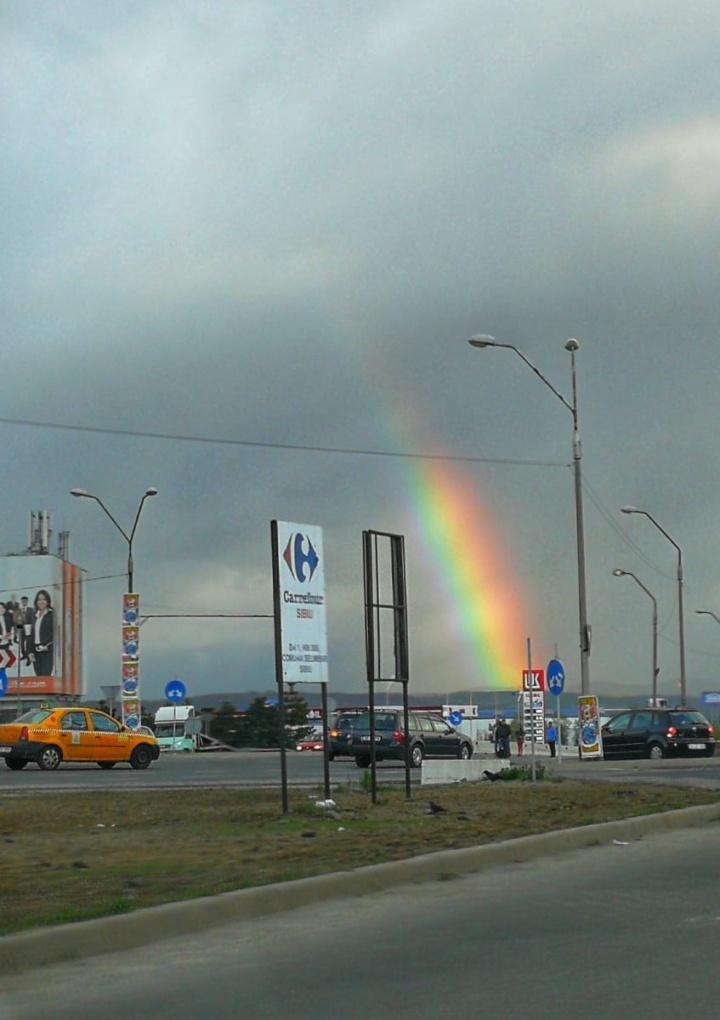 Curcubeul a apărut pentru cateva minute pe cerul Sibiului