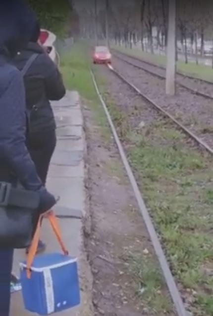 """Tramvai"" marca Daewoo Matiz circulând prin București"