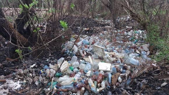 Valea de plastic din Slimnic