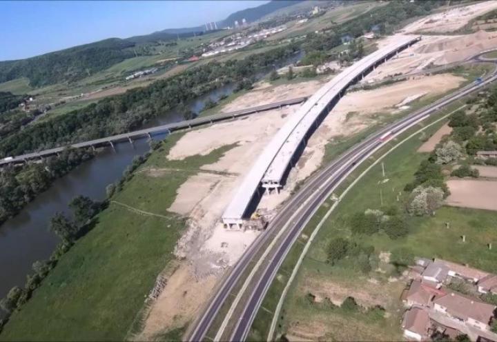 Ministrul Transporturilor a promis că autostrada Sibiu-Nădlac va fi terminată la sfârșitul lunii iulie, dar nu e foarte clar anul…